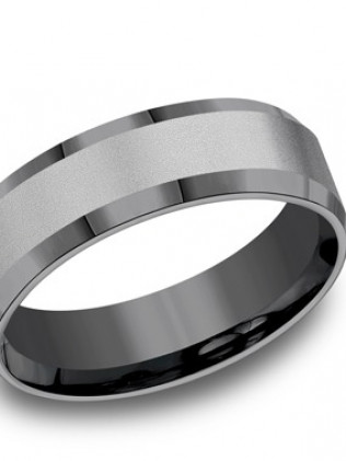 Tantalum 7mm comfort-fit band with powder coated finished center and high polished beveled edges.
